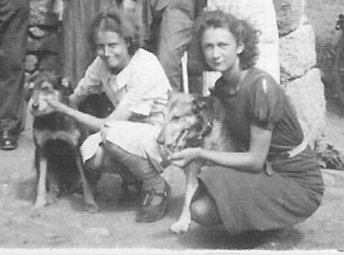 Andrée et Mareguerite.JPG